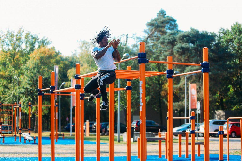 BMP-10500 Double monkey bars + pull-up bars